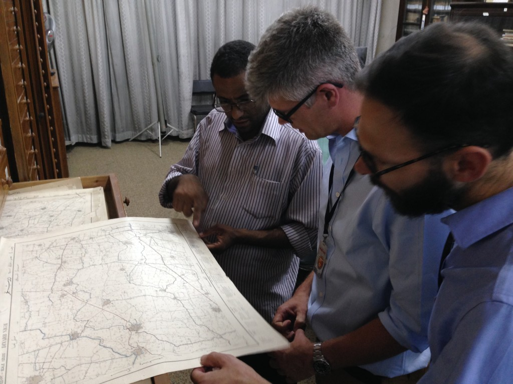 Alasdair and Noam look at 20th century maps of south Egypt.